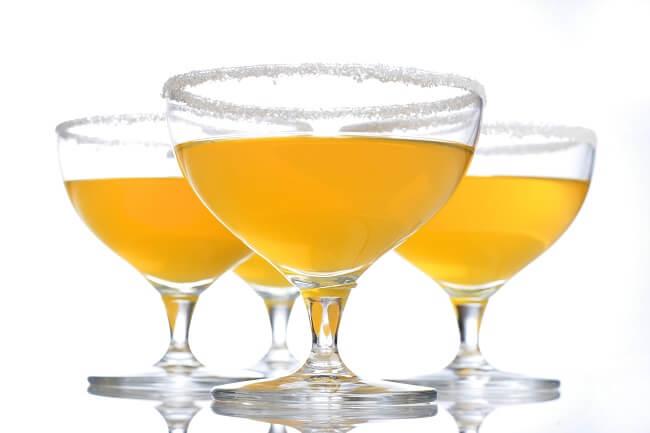 Cocktail me recettes de cocktails faire chez soi for Cocktail russe blanc